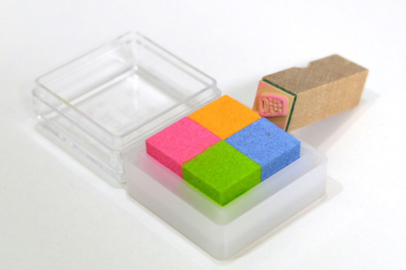 手帳に使うおすすめハンコこどものかお4色プチカラー