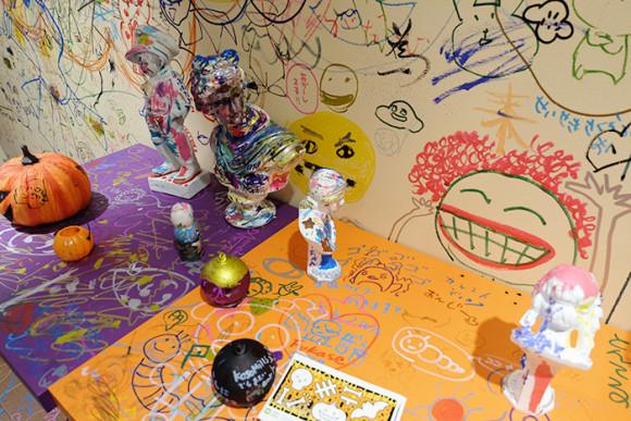 ぺんてる「GINZA RAKUGAKI Cafe & Bar by Pentel」石造にも落書き