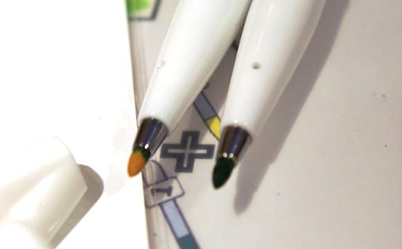 ラクガキカフェワークショップペン先の色が緑に変色