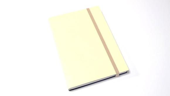 大きいA5サイズのEDiT手帳(エディット)を比べてみた表紙