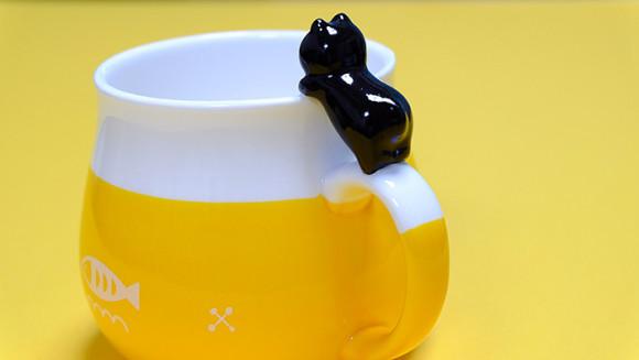 可愛い猫のマグカップ「デコレニャコット」黒猫おしり