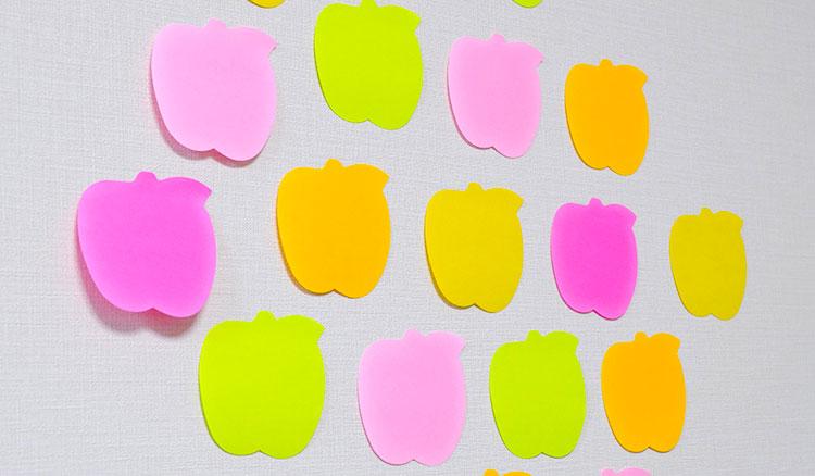りんごの形の可愛い付箋ポスト・イットノート壁にインテリア風に貼っても