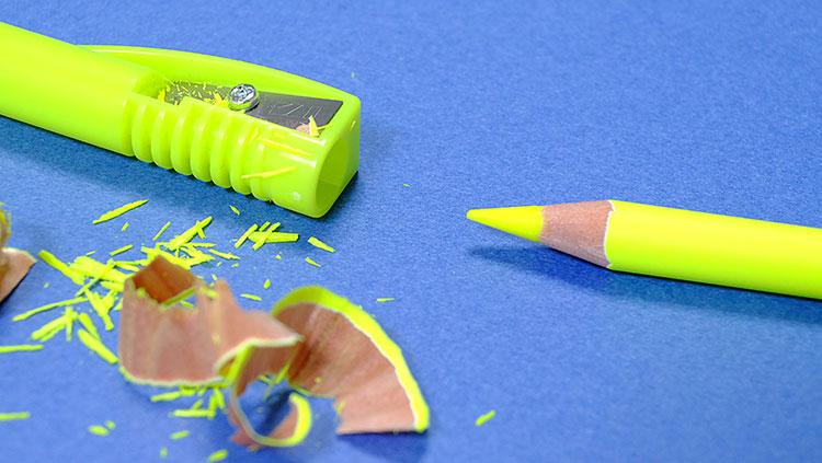 クツワ鉛筆削り付き蛍光ペン「鉛筆の蛍光マーカー」削り方