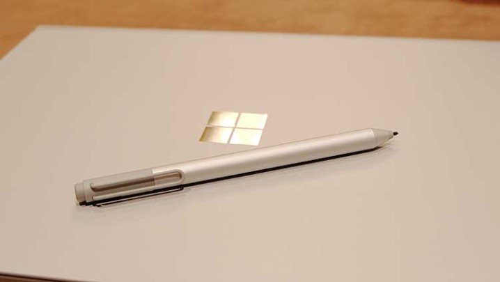 Surface Book Macbookっぽい