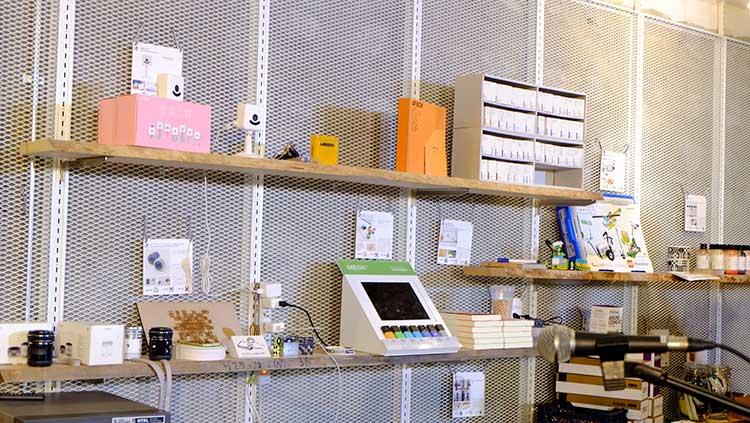 Surfaceアンバサダーイベント!FabCafeでオリジナルテープ作りワークショップ!FabCafe店内