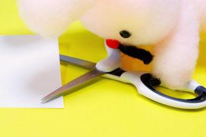 コクヨ「エアロフィット」グルーレスタイプはのりがつきにくいハサミ