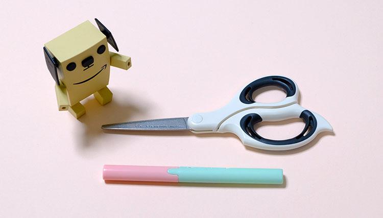 コンパクトなペン型はさみ「twiggy(ツイッギー)」大きさ比較